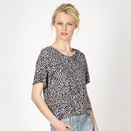 Taupe pebble print woven shell top