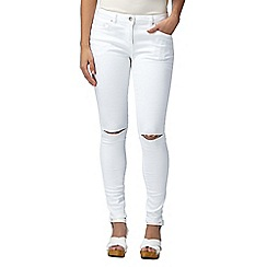 Red Herring - White rip knee skinny jeans
