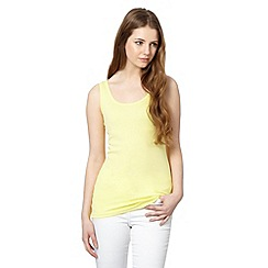 Red Herring - Light yellow scoop neck vest