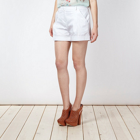 Red Herring - White pleat front sateen shorts