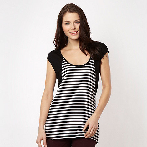 Red Herring - Black striped flared back top