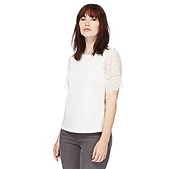 Red Herring - White lace sleeves t-shirt