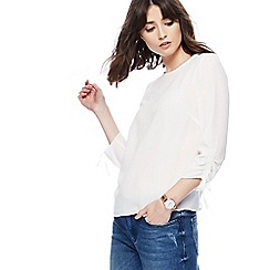 Red Herring - Ivory ruched sleeve shell top