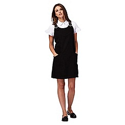 Red Herring Petite - Black mini petite pinafore dress