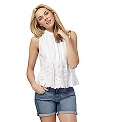 Levi's - White lace sleeveless top