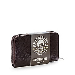 Mr Fantastic - Brown leather-effect grooming case set
