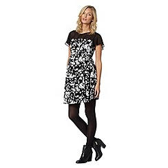 Red Herring Maternity - Black monochrome floral maternity dress