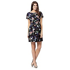 Red Herring Maternity - Black floral relaxed fit maternity dress