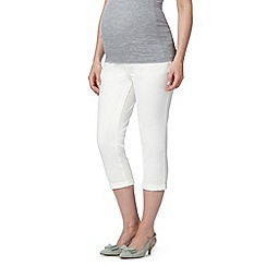 Red Herring Maternity - White over the bump maternity cropped jeans