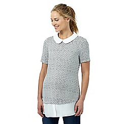 Red Herring Maternity - Ivory diamond textured print 2-in-1 top