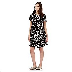 Red Herring Maternity - Black floral print dress