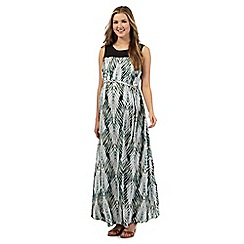 Red Herring Maternity - Green fern print maternity dress
