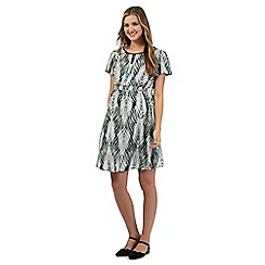 Red Herring Maternity - Green fern print maternity tunic