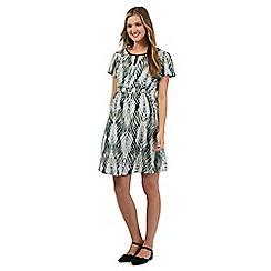 Red Herring Maternity - Green fern print maternity tunic