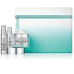 Clinique - 'Smart' moisturiser set