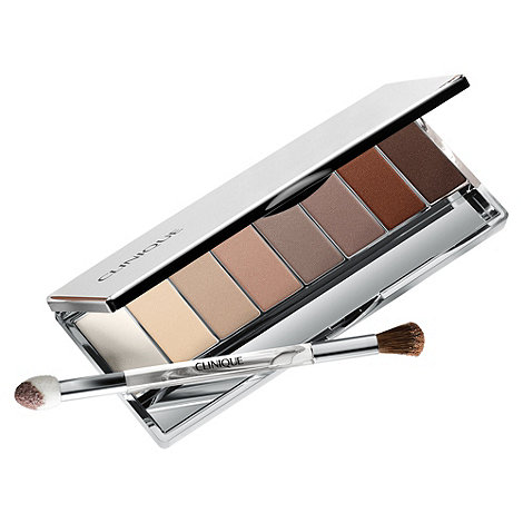 Clinique - +16 Shades Of Beige+ eye shadow collection