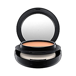 MAC Cosmetics - Matchmaster Shade Intelligence Foundation