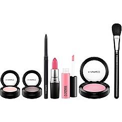 MAC Cosmetics - Look in a Box: Sweet Miss