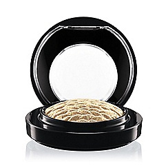 MAC Cosmetics - A Lightness Of Being Mineralize Eye Shadow