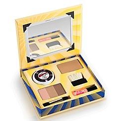 Benefit - Cabana Glama Makeup kit!