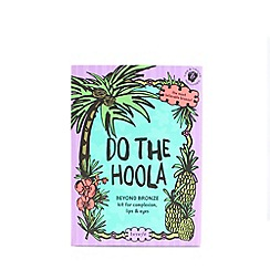 Benefit - 'Do the hoola BEYOND BRONZE' kit for complexion, lips & eyes