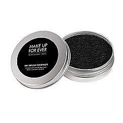 MAKE UP FOR EVER - Dry brush cleanser