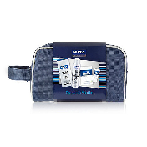 Nivea - +Protect and Soothe+ wash bag