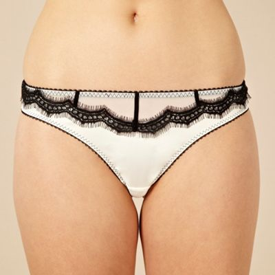 Ivory scalloped lace thong