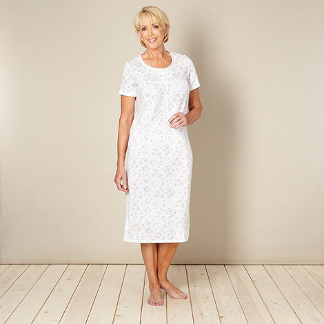 Classics - White 100% cotton floral printed nightdress