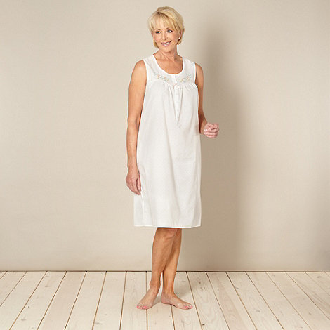 Classics - White floral embroidered nightdress