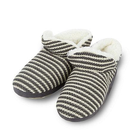 Iris & Edie - Grey striped knit slippers