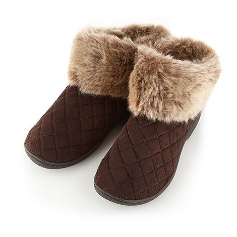 Isotoner - Brown faux fur cuff slipper boots