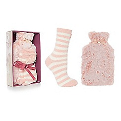 Totes - Pink fleece hot water bottle and slipper socks set