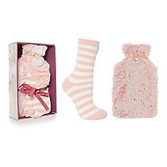 Totes - Pink fleece hot water bottle and slipper socks set