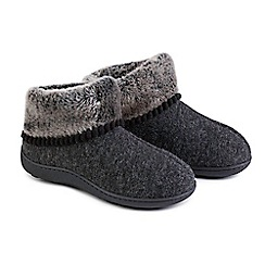Totes - Black fine knit 'Pillowstep' slipper boots