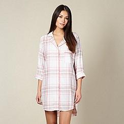 RJR.John Rocha - Designer light pink woven checked night shirt
