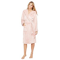 Lounge & Sleep - Light pink heart embossed fleece dressing gown