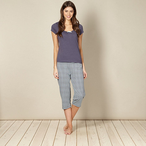 Lounge & Sleep - Grey striped t-shirt and cropped bottoms pyjama set