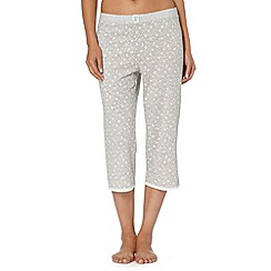 Lounge & Sleep - Light grey snowflake print cropped pyjama bottoms
