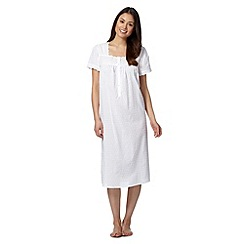 Lounge & Sleep - White lace nightdress