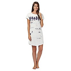 Lounge & Sleep - Cream snow scene long pyjama t-shirt