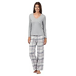 Lounge & Sleep - Pale grey jersey top and checked bottoms pyjama set