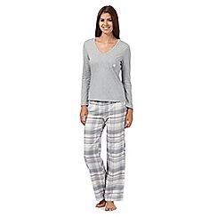 Lounge & Sleep - Pale grey jersey top and checked bottoms pyjama set