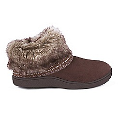 Isotoner - Chocolate faux fur boots slippers
