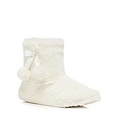 Lounge & Sleep - Cream faux fur slipper boots