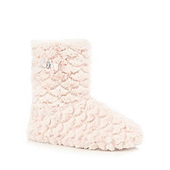 Lounge & Sleep - Pink furry slipper boots