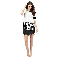 Iris & Edie - White love sleep t-shirt