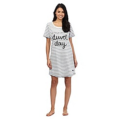 Lounge & Sleep - Grey striped 'Duvet Day' sleep tee
