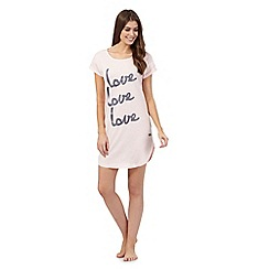 Lounge & Sleep - Pink long 'love' sleep tee