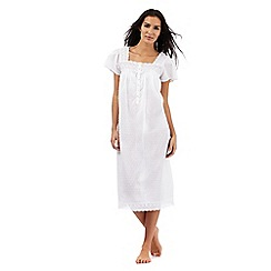 Lounge & Sleep - White textured nightdress